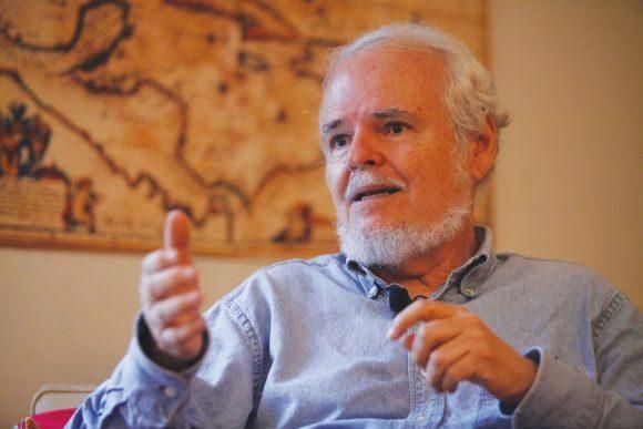 """[ANÁLISIS] Luis Britto García: """"En una guerra, si el adversario te está golpeando tú tienes que responder"""""""