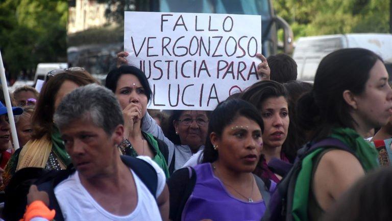 [ARGENTINA] Paran las mujeres contra el fallo por el femicidio de Lucía Perez