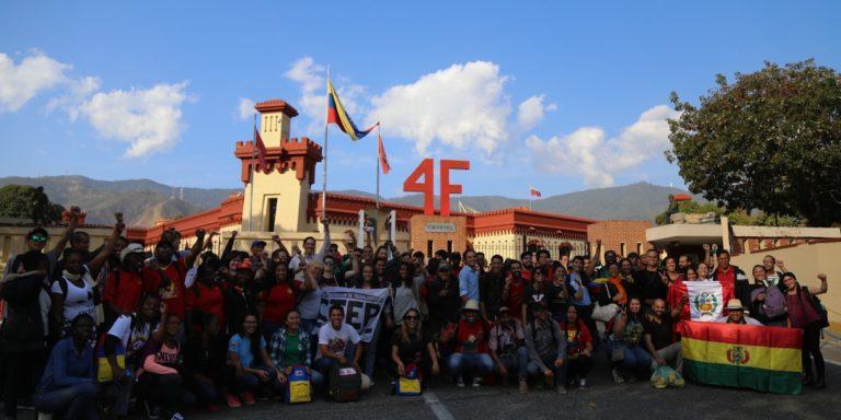 """[INTERNACIONALISMO] Más de 200 jóvenes de la Brigada Internacionalista """"Che Guevara"""" llegaron a Venezuela"""