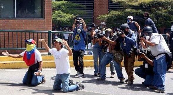 [OPINIÓN] Posverdad y falsa conciencia: La representación de Venezuela en la sociedad del espectáculo