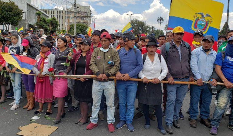 Ecuador busca «desviar atención» al acusar a venezolanos de protestas