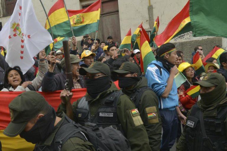 [BOLIVIA] Los militares en las calles y el asilo de Evo Morales